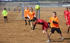 1700 jugadores y 128 equipos en la playa de Zarautz