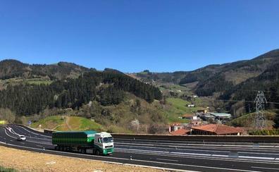 La autovía de Deskarga se abre al tráfico gratis pero será de peaje el próximo año