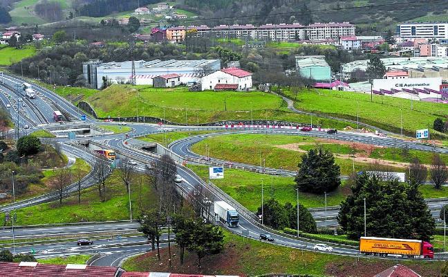El PNV propone descongestionar el tráfico del nudo de Bazkardo con un viaducto