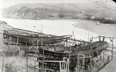 Construyendo embarcaciones en Zumaia