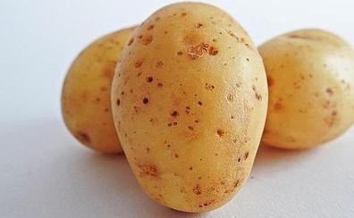 Un 'snack' rico y crujiente con la piel de la patata