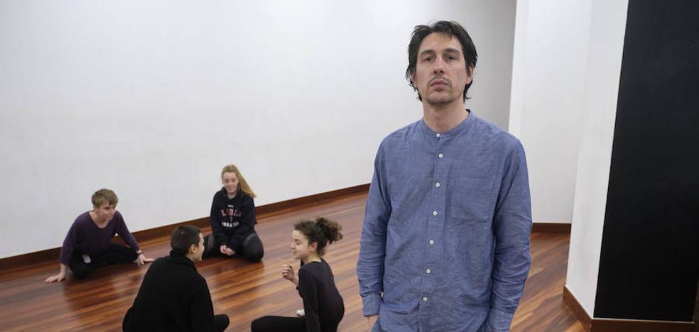Pablo Agüero: «Cómo se manipula la realidad para fabricar a las brujas, eso es lo que quiero contar»