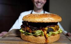 La hamburguesa de Japón que cuesta 800 euros y pesa tres kilos