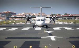 Cancelados doce vuelos del aeropuerto de Hondarribia la próxima semana por la huelga de pilotos