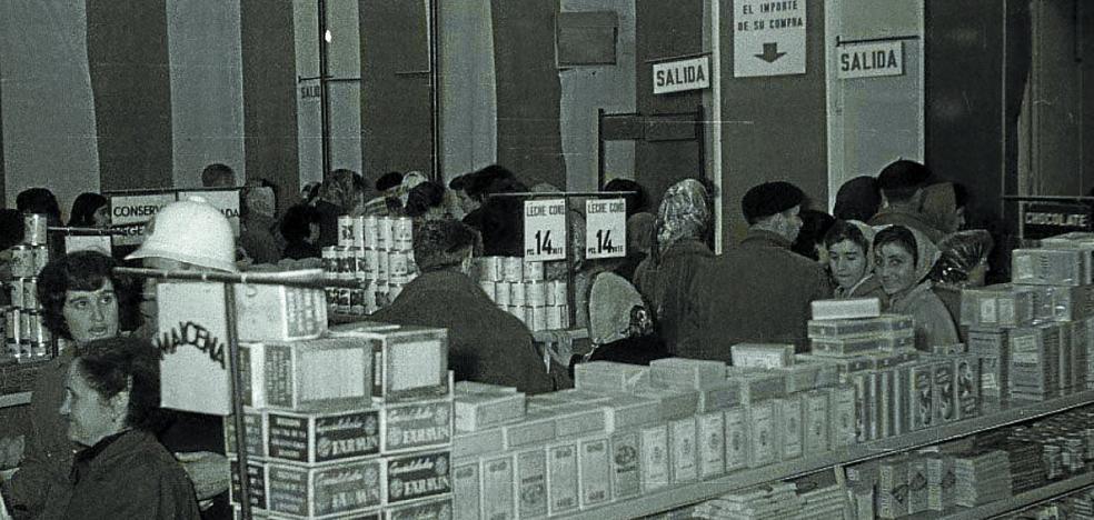 El mayor supermercado de España, en el paseo Colón