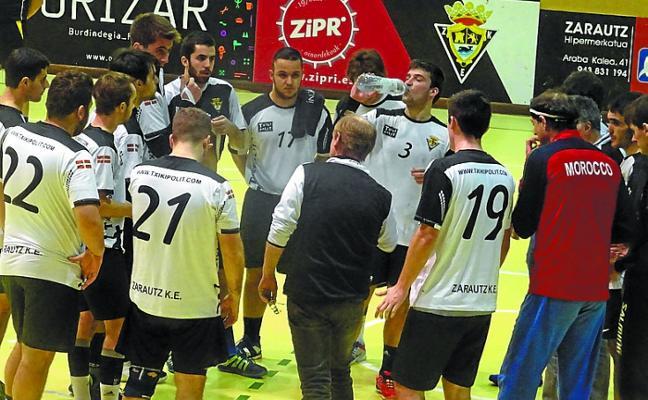 El Txiki Polit Zarautz busca plaza para disputar la fase de ascenso