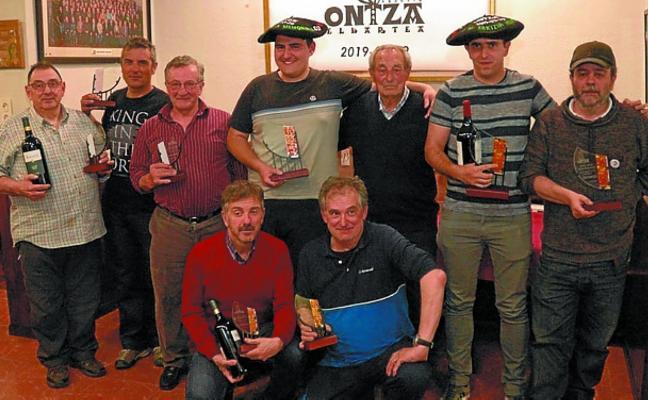 Baltasar y Escudero ganan el campeonato de mus de Ontza