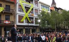 Los asistentes al mitin de Rivera en Errenteria salen escoltados por la Ertzaintza