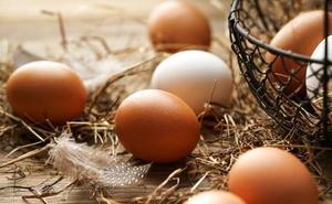 ¿Por qué metes los huevos en la nevera si en el súper están fuera?