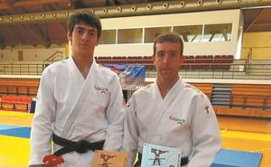 Saralegi y Reguillaga logran el oro en la Copa de kata internacional de Portugal
