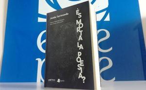 Sarrionandiaren 'Hilda dago poesia?' poema-antologiaren katalanerako itzulpena saritu dute