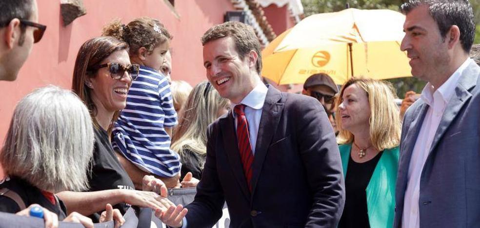 Casado aboga por recuperar la reforma que restringía a los inmigrantes irregulares el acceso a la sanidad