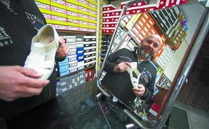 «No sé qué pasa con la talla del zapato, ¡todos creen tener menos!»