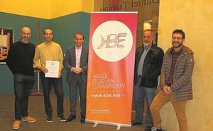 Reconocimiento a la iniciativa Kirol Busean Elkarrekin, del Zarautz KE