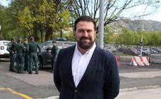 Bildu pide en Intxaurrondo la reducción de los cuerpos y fuerzas de seguridad del Estado en Euskadi