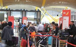 Los sindicatos desconvocan las huelgas de Semana Santa en Air Nostrum y Renfe