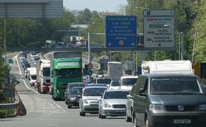Bidegi prevé que 367.000 vehículos pasen por los peajes de Irun y Zarautz
