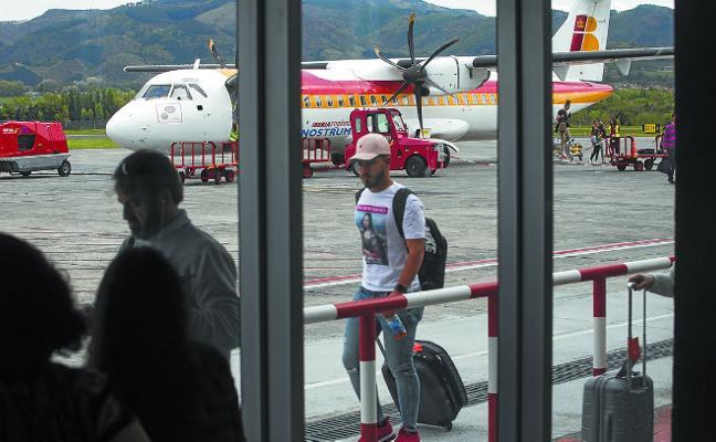 Hondarribia recupera hoy la normalidad aérea tras el acuerdo entre los pilotos y Air Nostrum