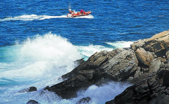 Continúan las labores de búsqueda del pescador navarro desaparecido