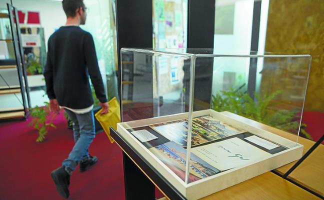 El CBA acoge la muestra 'Menchu Gal en los textos'