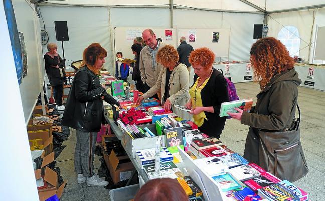 La Feria del Libro se traslada este año a los jardines de Luis Mariano