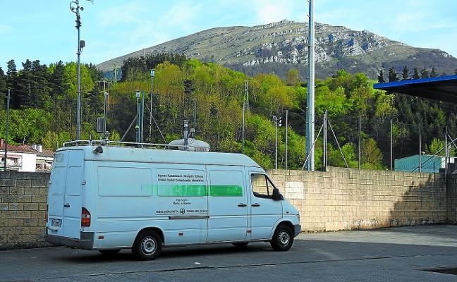 Una estación móvil de control ya mide la calidad del aire atxabaltarra