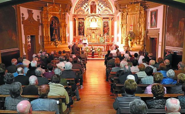 Viernes Santo con vía crucis en la iglesia de San Pedro y a la ermita de Azkorte