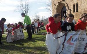 La fiesta de Pascua programa herri kirolak y juegos infantiles en Antigua