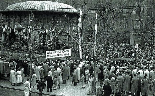 1969   Quieren «cargarse» el quiosco del Boulevard. ¿Y si lo llevamos a Urgull?