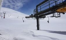 La nieve sigue dando alegrías en Sierra Nevada