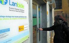 Los servicios impulsan la ocupación en el primer trimestre en Gipuzkoa con 2.700 empleados más