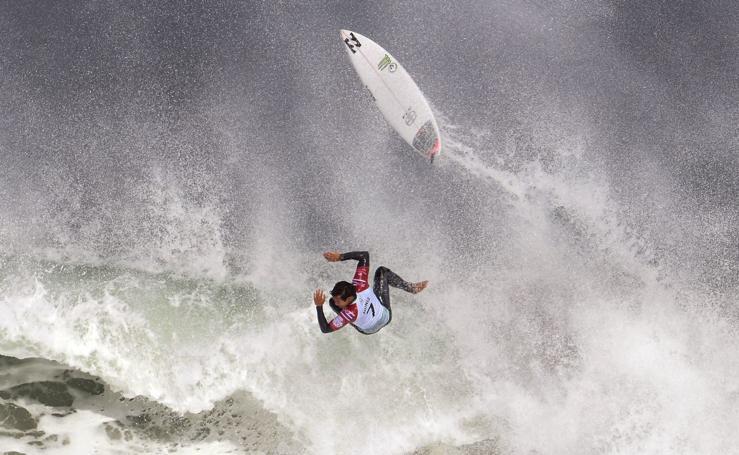 Surf en mar revuelto