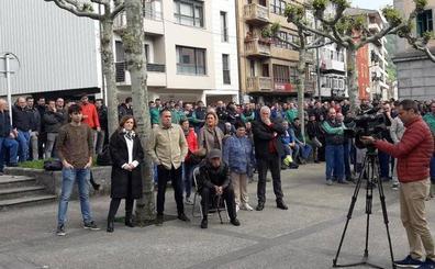 Empleados de CAF paran una hora en solidaridad con los afectados por amianto