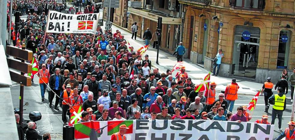 Manifestación a favor de la caza en Donostia