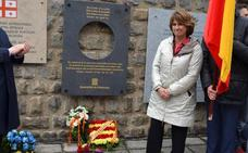 Dolores Delgado abandona un homenaje en Mauthausen al citar la Generalitat a los «presos políticos»