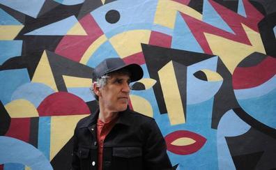 Mikel Erentxun: «Me veo ya un bicho raro, el que venera el sonido analógico y a Lou Reed, el que no entiende el trap»