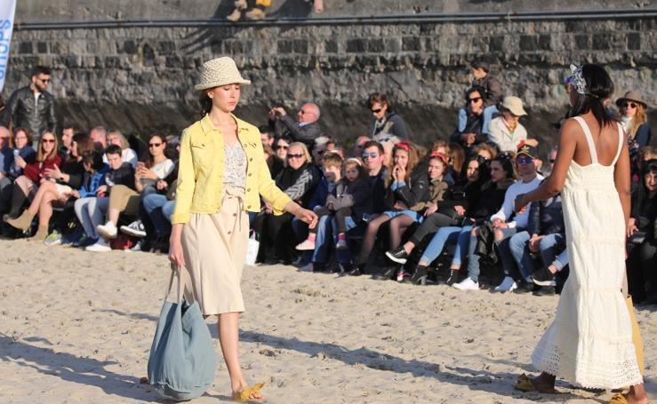 Desfile de moda de verano en la Zurriola