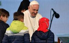 El Papa advierte de que refugiados y migrantes son «una cruz de la humanidad»