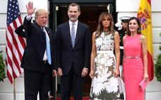 Del juego de billar de Trump al casco de Carlos Sainz, los regalos que recibieron los Reyes en 2018