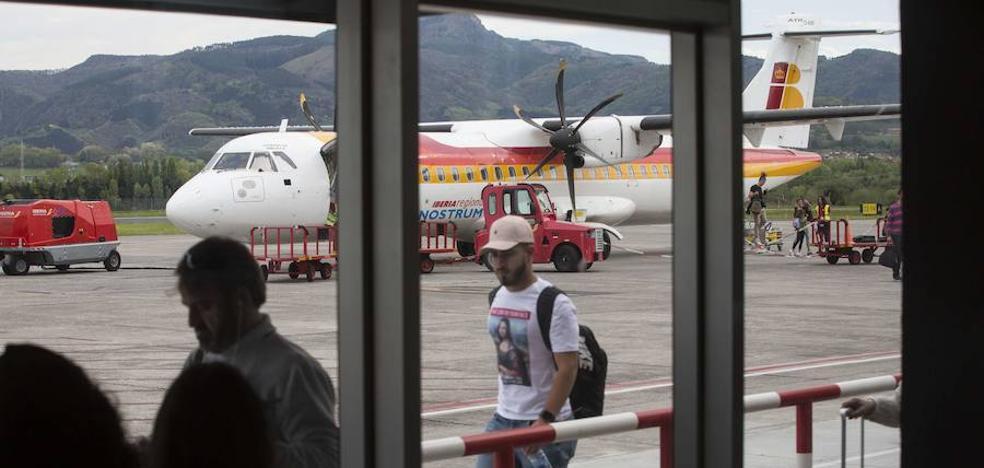 Iberia lanza una oferta de vuelos desde 50 euros entre San Sebastián y Madrid para incentivar la ruta