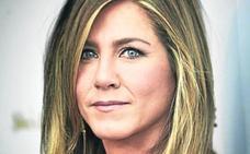 El 'topless' con el que Jennifer Aniston presume cuerpo a los 50