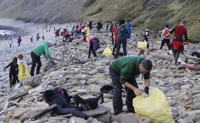 Gipuzkoa destina 30.000 euros para la recogida de basura marina en sus costas