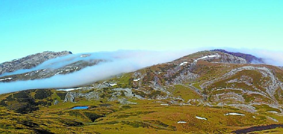 Entre dólmenes, niebla y belleza