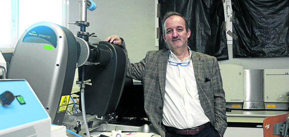 Un equipo de la UPV busca una vacuna para la malaria de la mano de Patarroyo