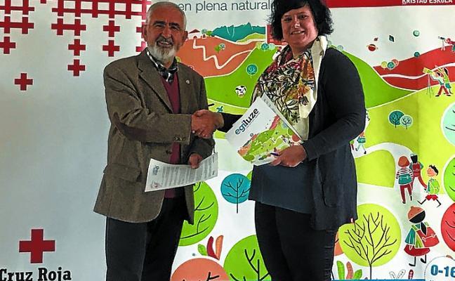 Cruz Roja Errenteria y Egiluze Hijas de la Cruz firman un acuerdo de colaboración