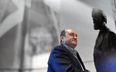 Ortuzar: «Sánchez quiere tenernos cerca, pero ojo, no nos dejaremos utilizar»