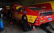 Vilariño se tiene que retirar a falta de cinco vueltas por un golpe en el chasis