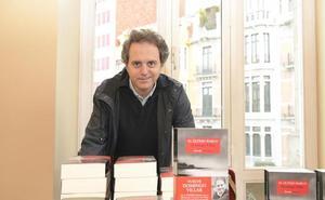Domingo Villar: «La literatura permite dejar a un lado lo urgente y centrarse en lo importante»