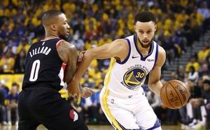Curry da el primer golpe de los Warriors en la Final de la Conferencia Oeste
