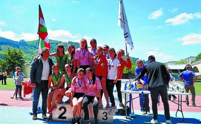 Segundo puesto para el infantil femenino de atletismo en el Provincial